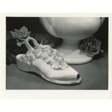 Cloud, John Stuart  Lone Shoe  173 Rose and Vase